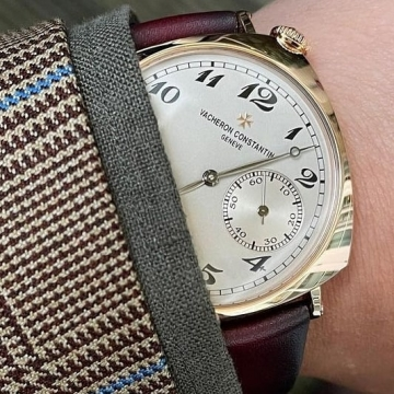It is not a Time Mashine It is a Piece of Art @vacheronconstantin Historiques American 1921 Www.oragentleman.com • • • Sartoria Oragentleman.✂️ In our store you can find excellent fabrics from @loropianaofficial @zegnaofficial @vitalebarberiscanonico1663 @drapersitaly @drago_s.p.a and @lanificiocerruti house mills. Our mission and our passion is to make the world more beautiful especially yours . We can create for you according to your measurements bespoke suits ,blazers, trousers and shirts. So take the chance and book an appointment Come to our store to be inspired in bespoke values and life. We are at your disposal You are welcome.📍Contact & Orders Koronaiou 18 Heraklion Crete Greece ☎️ 0030 2810331164 📱whats app : 0030 6932407464#gentleman #gentlemanstyle #gentlemenslounge #gentlemanclub #oragentleman #dappermen #dapperlife #simplydapper #dapper #dandystyle #madetomeasure #bespoke #bespokeservice #bespoketailoring #tailoringservice #sartorial #sartorialist #sprezza #vacheron #vacheronconstantine #pieceofart #historic #vacheroncostantinwatches #pittiuomo #vacheronconstantin #classicwatches #geneve #heraklion_crete #heraklion #heraklion_city 📸@buzzspoke